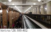 Купить «Moscow, Russia - March 17. 2018. interior of metro station Komsomolskaya of Sokolnicheskaya Line», видеоролик № 28189402, снято 17 марта 2018 г. (c) Володина Ольга / Фотобанк Лори
