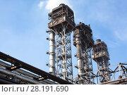 Купить «Три свечи дожига доменного газа», фото № 28191690, снято 30 июля 2011 г. (c) Кекяляйнен Андрей / Фотобанк Лори