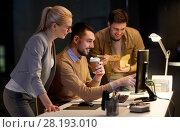 Купить «business team with computer working late at office», фото № 28193010, снято 26 ноября 2017 г. (c) Syda Productions / Фотобанк Лори