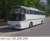 Купить «Tourist bus goes on the highway», фото № 28208294, снято 26 июля 2015 г. (c) Юрий Бизгаймер / Фотобанк Лори