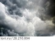 Купить «Dark thunderstorm slouds», фото № 28210894, снято 4 июня 2016 г. (c) Losevsky Pavel / Фотобанк Лори
