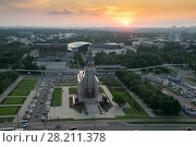 Купить «Worker and Collective Farm monument and sunset in summer evening in Moscow, Russia», фото № 28211378, снято 29 мая 2016 г. (c) Losevsky Pavel / Фотобанк Лори