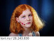 Купить «A teenage girl with shiny glass sequins on her face», фото № 28243830, снято 28 марта 2018 г. (c) Майя Крученкова / Фотобанк Лори