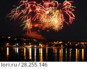Купить «Celebratory bright firework», фото № 28255146, снято 8 августа 2015 г. (c) ElenArt / Фотобанк Лори