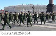Купить «Военный оркестр на репетиции парада в честь Дня Победы. Санкт-Петербург», видеоролик № 28258654, снято 4 апреля 2018 г. (c) Виктор Карасев / Фотобанк Лори