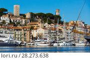 Купить «Old Port of Cannes», фото № 28273638, снято 3 декабря 2017 г. (c) Яков Филимонов / Фотобанк Лори