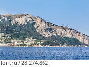 Купить «Пейзаж острова Капри, вид с моря», фото № 28274862, снято 18 июля 2017 г. (c) Николай Коржов / Фотобанк Лори