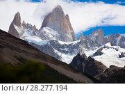 Купить «Glaciers and mountains Fitz Roy, Cerro Torre», фото № 28277194, снято 1 февраля 2017 г. (c) Яков Филимонов / Фотобанк Лори