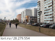 Купить «Ногинск, Богоявленский собор со стороны улицы Московское малое кольцо», эксклюзивное фото № 28279554, снято 19 апреля 2017 г. (c) Дмитрий Неумоин / Фотобанк Лори