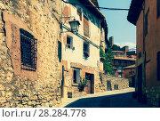 Купить «Sunny street of spanish town in summer», фото № 28284778, снято 24 августа 2013 г. (c) Яков Филимонов / Фотобанк Лори