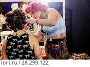 Купить «England, London, Miss Pin-up UK and Miss Pin-up International Contest, Women's Dressing Room», фото № 28299122, снято 9 июля 2020 г. (c) age Fotostock / Фотобанк Лори