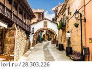 Купить «Испанская деревня в Барселоне - музей под открытым небом. Каталония, Испания», фото № 28303226, снято 6 апреля 2018 г. (c) Наталья Волкова / Фотобанк Лори