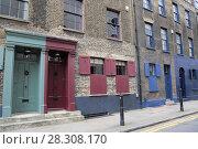 Купить «Historic Huguenot houses dating from the 18th century, Spitalfields, East End, London, England, United Kingdom, Europe», фото № 28308170, снято 31 марта 2017 г. (c) age Fotostock / Фотобанк Лори