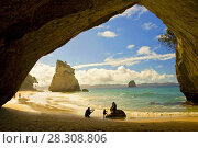 Купить «Cathedral Cove at Coromandel Peninsula, North Island, New Zealand», фото № 28308806, снято 23 мая 2019 г. (c) BE&W Photo / Фотобанк Лори