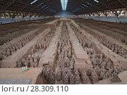 Купить «Terracotta Army inside the Qin Shi Huang Mausoleum, Xi'an China», фото № 28309110, снято 27 марта 2019 г. (c) BE&W Photo / Фотобанк Лори