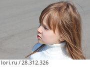 Девочка в белом. Стоковое фото, фотограф Гордюшина Олеся / Фотобанк Лори
