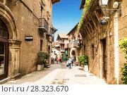 Купить «Испанская деревня в Барселоне - музей под открытым небом. Каталония, Испания», фото № 28323670, снято 6 апреля 2018 г. (c) Наталья Волкова / Фотобанк Лори