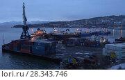 Купить «Ночной вид на порт в Петропавловске-Камчатском», видеоролик № 28343746, снято 27 апреля 2018 г. (c) А. А. Пирагис / Фотобанк Лори