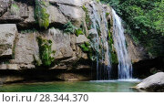 Купить «El Torrent de la Cabana small mountain stream with crystal clear water», видеоролик № 28344370, снято 16 мая 2017 г. (c) Яков Филимонов / Фотобанк Лори