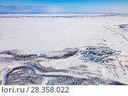 Купить «Oilman's village in Yamal, bird's eye view», фото № 28358022, снято 1 апреля 2017 г. (c) Владимир Мельников / Фотобанк Лори