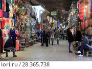 Купить «Souk, Market, Medina, UNESCO World Heritage Site, Marrakesh (Marrakech), Morocco, North Africa, Africa», фото № 28365738, снято 23 марта 2017 г. (c) age Fotostock / Фотобанк Лори