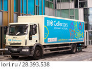 Купить «Food waste collection truck in London, UK, which will take the waste to a bio-digester plant to create bio-gas.», фото № 28393538, снято 17 ноября 2018 г. (c) Nature Picture Library / Фотобанк Лори