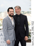 Купить «The director Joe Penna, Mads Mikkelsen during the photocall of film Arctic at 71st Cannes Film Festival, Cannes, FRANCE-10-05-2018.», фото № 28396102, снято 10 мая 2018 г. (c) age Fotostock / Фотобанк Лори