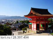 Купить «Ворота Нио буддийского храмового комплекса Киёмидзу-дэра в Киото (Япония)», фото № 28397494, снято 1 сентября 2009 г. (c) Александр Гаценко / Фотобанк Лори