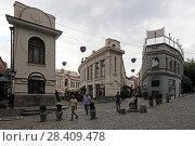 Пересечение улиц Сиони и Шардени. Город Тбилиси, Грузия (2017 год). Редакционное фото, фотограф Алексей Гусев / Фотобанк Лори