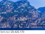 Купить «Город Marina di Praia, на побережье Амальфи. Тирренское море, Италия», фото № 28426170, снято 20 июля 2017 г. (c) Николай Коржов / Фотобанк Лори