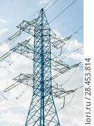 Купить «Новая мачта линии электропередач (ЛЭП)», фото № 28453814, снято 13 мая 2018 г. (c) Алёшина Оксана / Фотобанк Лори