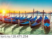 Gondolas in Venice (2013 год). Стоковое фото, фотограф Sergey Borisov / Фотобанк Лори