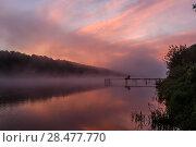 Купить «Летний пейзаж с рассветом над рекой и рыбаком», эксклюзивное фото № 28477770, снято 24 мая 2018 г. (c) Игорь Низов / Фотобанк Лори