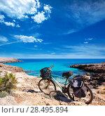 Купить «Menorca Cala des Talaier beach with aged grunge bicycle», фото № 28495894, снято 25 мая 2013 г. (c) Ingram Publishing / Фотобанк Лори