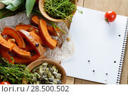 Купить «Fresh Organic Vegetable Frame on a Wooden Background with Space For Your Text», фото № 28500502, снято 30 ноября 2013 г. (c) Ingram Publishing / Фотобанк Лори