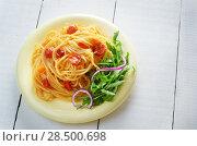 Купить «Spaghetti marinara pasta salad with arugula», фото № 28500698, снято 26 апреля 2019 г. (c) Ingram Publishing / Фотобанк Лори