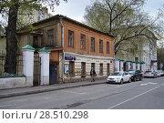 Купить «Москва, Гагаринский переулок, дом 22/8, строение 2», эксклюзивное фото № 28510298, снято 30 апреля 2018 г. (c) Dmitry29 / Фотобанк Лори
