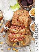 Купить «Beetroot pie with raisins», фото № 28512070, снято 6 февраля 2018 г. (c) Надежда Мишкова / Фотобанк Лори