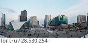 Купить «Skyscrapers of La Defense, Paris, France.», фото № 28530254, снято 27 марта 2014 г. (c) Юрий Брыкайло / Фотобанк Лори