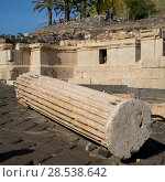 Ruins of building at archaeological site, Bet She'an National Park, Haifa District, Israel (2016 год). Стоковое фото, фотограф Keith Levit / Ingram Publishing / Фотобанк Лори