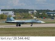 Купить «Российский многоцелевого истребителя пятого поколения Су-57( ПАК ФА, Т-50), вид сбоку, Международный авиационно-космический салон МАКС-2015», фото № 28544442, снято 23 августа 2015 г. (c) Малышев Андрей / Фотобанк Лори
