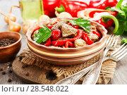 Купить «Chicken liver with sweet pepper and tomatoes», фото № 28548022, снято 12 февраля 2018 г. (c) Надежда Мишкова / Фотобанк Лори