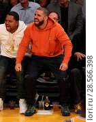 Купить «Drake sits court-side at the Los Angeles Lakers vs the Golden State Warriors game at the Staples Center Featuring: Drake Where: Los Angeles, California...», фото № 28566398, снято 4 ноября 2016 г. (c) age Fotostock / Фотобанк Лори