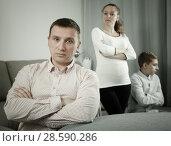 Купить «Family members arguing», фото № 28590286, снято 28 марта 2017 г. (c) Яков Филимонов / Фотобанк Лори