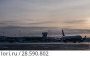 Купить «Timelapse of traffic at Terminal D of Sheremetyevo Airport, Moscow», видеоролик № 28590802, снято 1 февраля 2018 г. (c) Данил Руденко / Фотобанк Лори