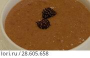 Купить «Hands Of An Unknown Chef Put Berry Blackberry», видеоролик № 28605658, снято 25 мая 2018 г. (c) Pavel Biryukov / Фотобанк Лори