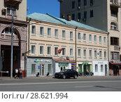 Купить ««Доходный дом М. Е. Здоровой» (построен в 1909 году). Улица Красная Пресня, 30, строение 1. Пресненский район. Город Москва», эксклюзивное фото № 28621994, снято 9 мая 2018 г. (c) lana1501 / Фотобанк Лори