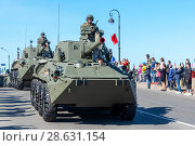 Купить «Самоходное артиллерийское орудие 2С23 НОНА-СВК на Дворцовой набережной. Санкт-Петербург», эксклюзивное фото № 28631154, снято 9 мая 2018 г. (c) Александр Щепин / Фотобанк Лори