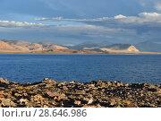 Купить «Западный Тибет. Священное озеро Дангра (Данг Ра Гью Тсо) в июне», фото № 28646986, снято 8 июня 2018 г. (c) Овчинникова Ирина / Фотобанк Лори
