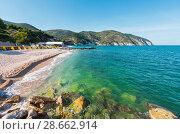 Купить «Summer sea beach Contrada Mattinatella, Gargano peninsula in Puglia, Italy», фото № 28662914, снято 5 июня 2017 г. (c) Юрий Брыкайло / Фотобанк Лори